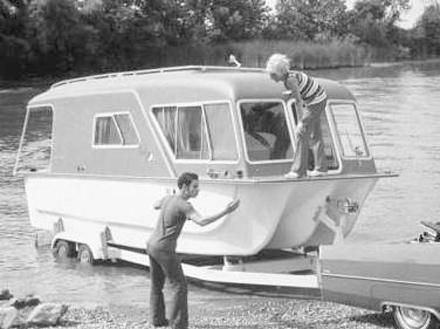 bw-house-boat